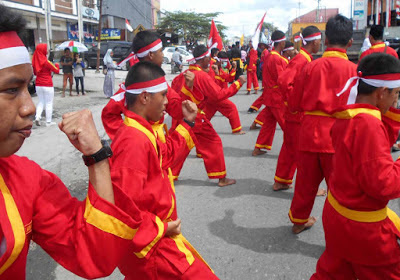 Tapak Suci Putra Muhammadiyah Menambah Kemeriahan Karnaval HUT RI ke 73 Kabupaten Mimika