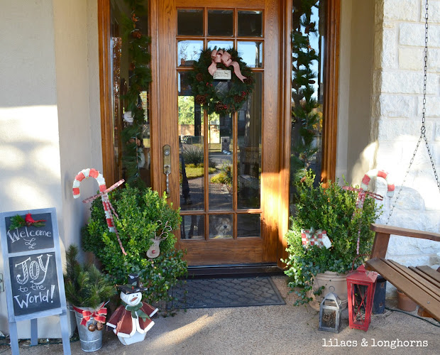 Christmas Decor House - Lilacs And