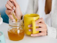 Minum Teh Pakai Madu Atau Gula Pasir, Mana yang Lebih Sehat ?