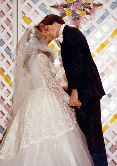 Take A Look At These Pictures Of Past Duggar Wedding Gowns And Then Tell Us What You Think Jill S Dress Will Like