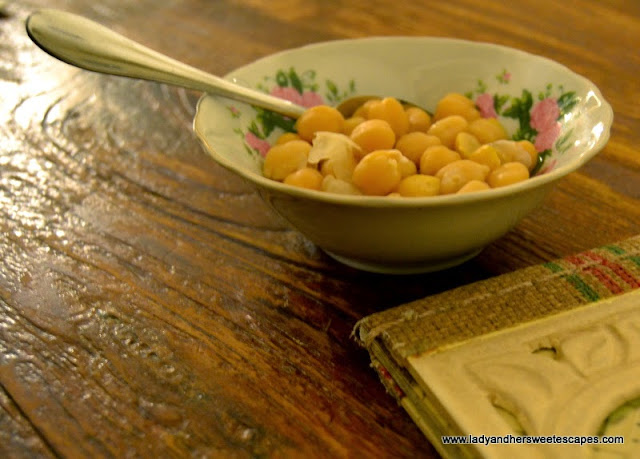chickpeas at Al Fanar restaurant, Dubai Festival City