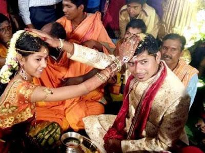 folk-singer-madhu-priya-married-srikanth
