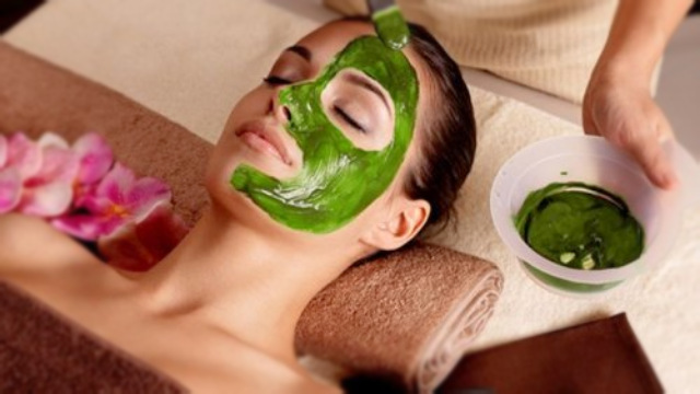 Manfaat dan Bahaya Masker Spirulina Untuk Wajah