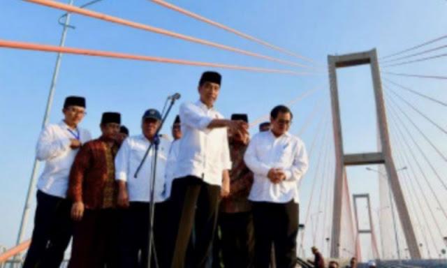 Suramadu Gratis, Nasib Kapal Penyebrangan Tragis, Jokowi Serahkan Urusan Kapal ke Gubernur Jatim