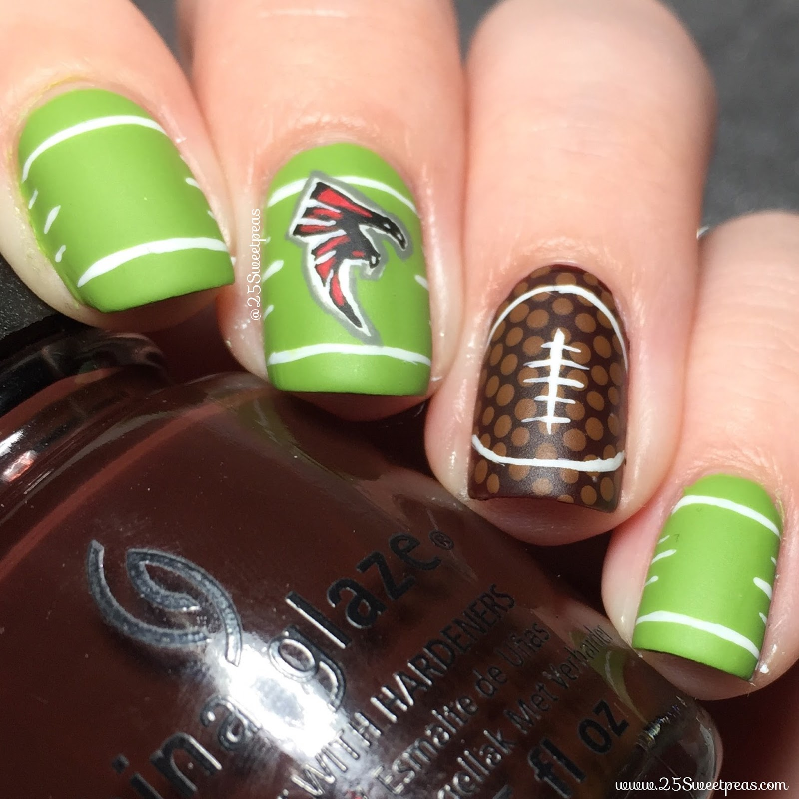 Super Bowl 2017 Nails - 25 Sweetpeas