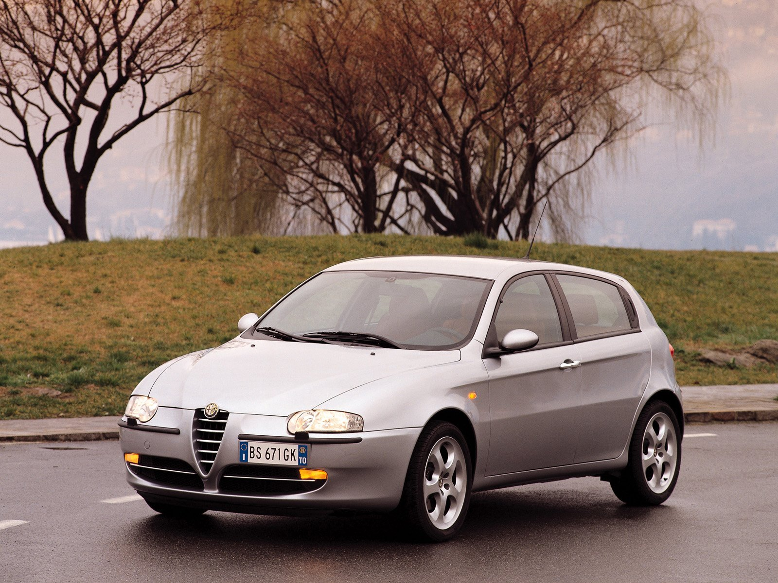 sports car alfa romeo 147 2002. Black Bedroom Furniture Sets. Home Design Ideas