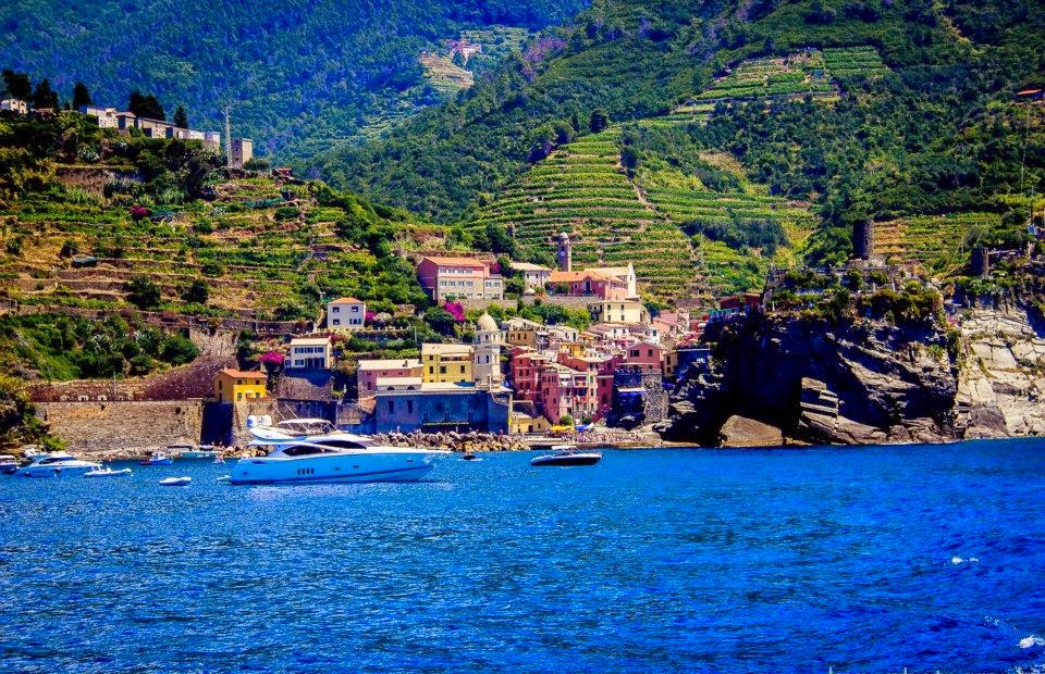 "<img src Some of the most dramatic coastal scenery on the planet.jpg"" lt="" http://dailytravelexperience.blogspot.com///"" />"