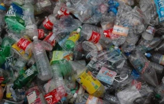 Armenia prohibirá el uso de productos de plástico desechables