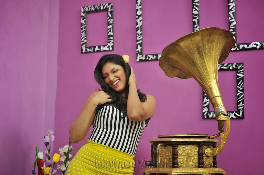 Hari Priya hot photoshoot 2014