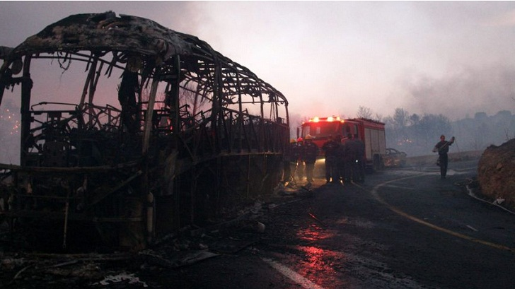 Photos: Wildfire Blamed on Terro Sspreads Through Israeli City