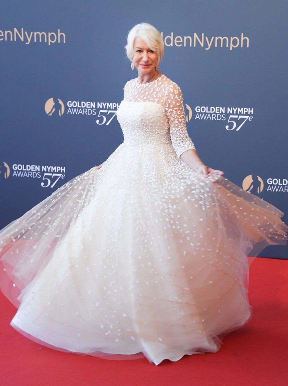 10 looks da Helen Mirren por aí