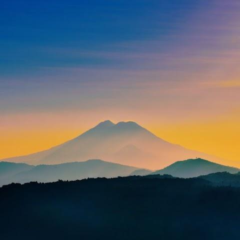 Gökyüzü ve Dağlar