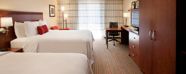 Comfort and convenience are a priority at Courtyard Las Vegas Convention Center. Located 2 miles from the Las Vegas Strip, this hotel makes it easy to access the excitement of the city while also providing a nearby escape at the end of the night.