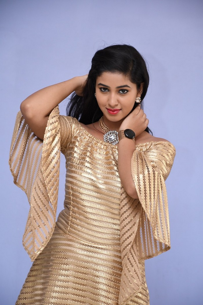 Pavani Reddy Latest Golden Suit Photo Gallery