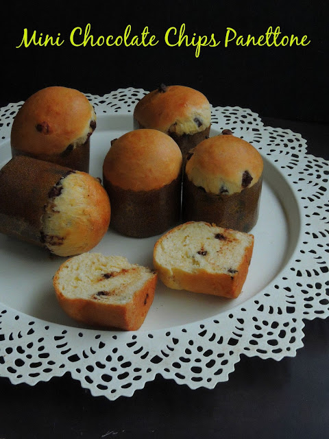 Mini Panettone with chocolate chips, mini chocolate chips Panettone.jpg