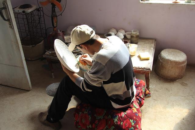 Ouzbékistan, Richtan, céramiste, © L. Gigout, 2012