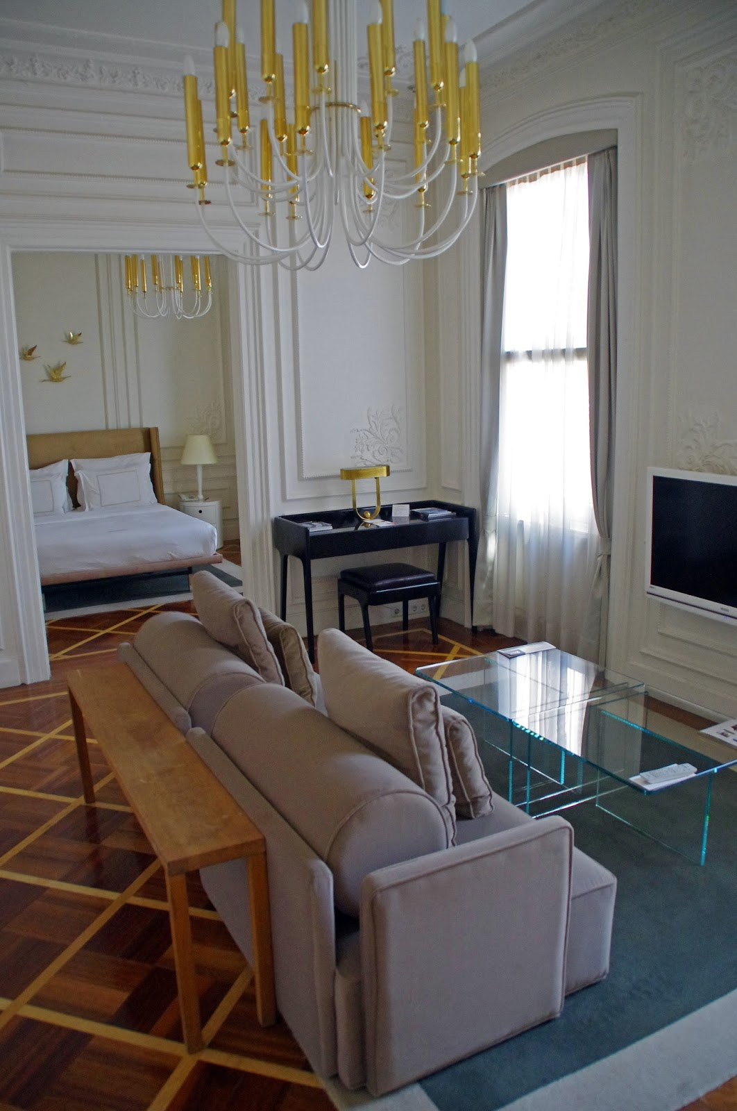 House Hotel Galatasaray Room and Living Room