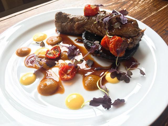 Bavette steak Galli plate, gingey bites