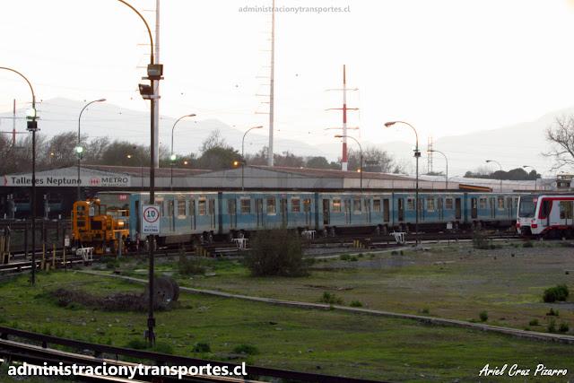 Trackmobile y tren Alsthom NS74 Metro de Santiago