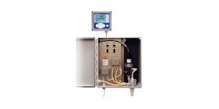 total chlorine analyzer for water or seawater with cabinet open