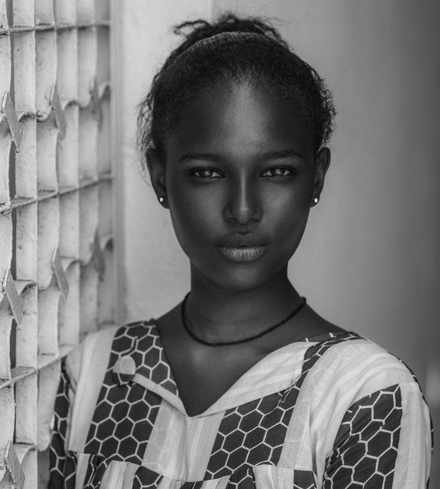 Awesome Female Portrait Poses by Joachim Bergauer