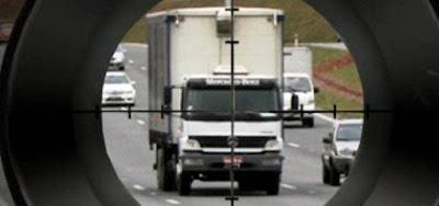 Áudio: empresários prometem suspender entregas no RJ