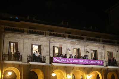 25-N Video mapping en la plaza del ayuntamiento