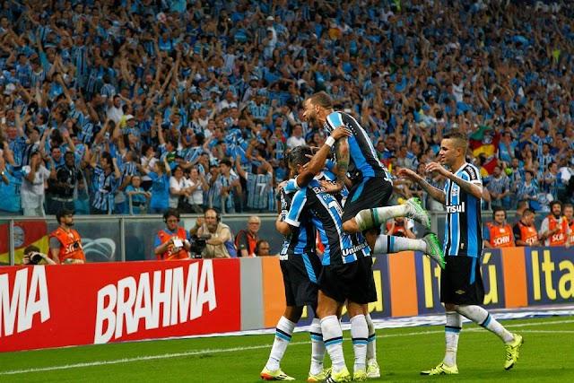 De desacreditado a um dos destaques: a evolução do Grêmio em 2015