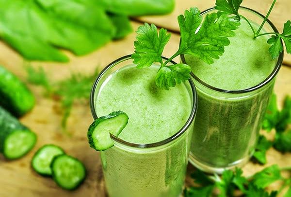 العصير الاخضر مشروب صحي للجسم