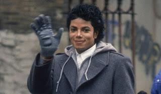 Michael Jackson Oo Dib Usoo Noolaaday – Gabarna Saaxiib La Noqday (Maxayse ka dhaheen taageereyaashiisu?) kkkkkk