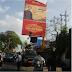 Warga Lengserkan Baliho 'Red Army' di Malang