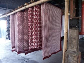 Agar Batik Sutera Tahan Lama Cukup Jemur Ditempat Yang Berangin