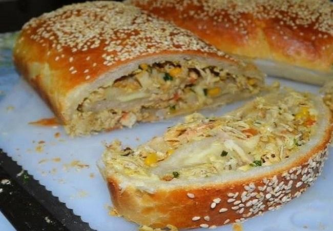 Pão Recheado de Frango e Queijo