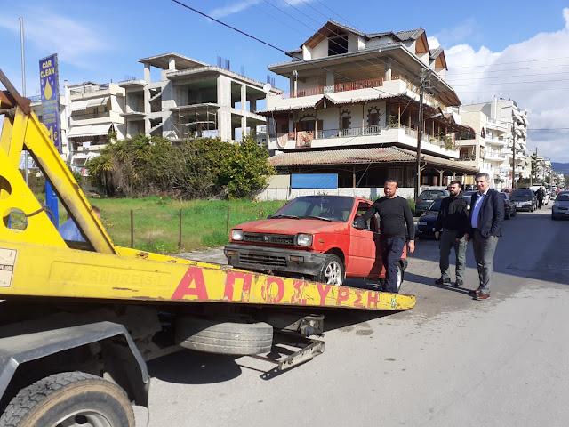 Άρτα: Απομάκρυνση 51 εγκαταλελειμμένων οχημάτων από την Δημοτική Αστυνομία