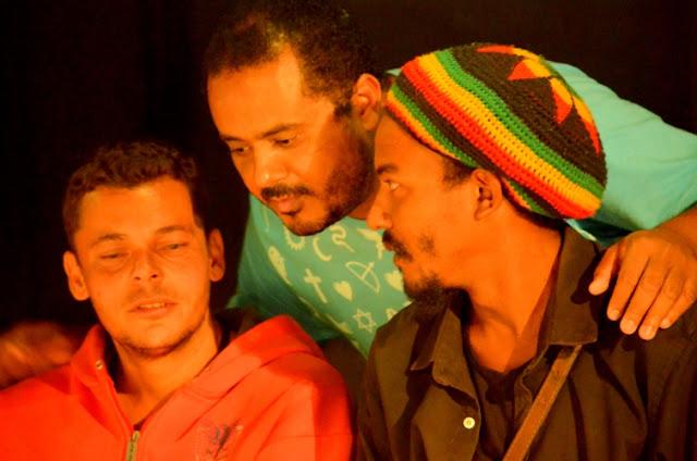 Valdeci Moreira com os convidados especiais na noite de estréia Foto Joaquim Dantas