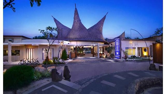 Hotel Aston Sunset Beach Resort