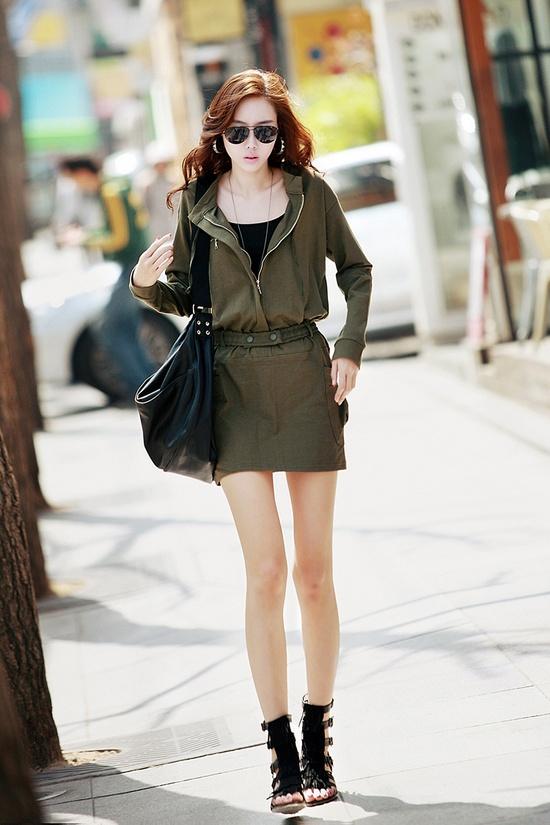 Fashion Mia Online Customer Reviews: Mademoiselle Mia: Fashion/Model Thinspo