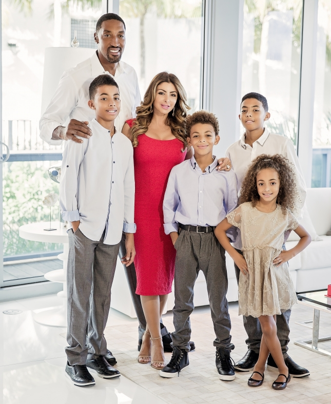 Larsa Younan with her husband Scottie Pippen and their children