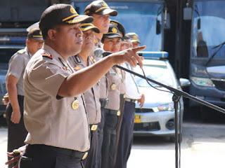 Gustav Urbinas Peringatkan Anggota Polres Jayapura Kota yang Terlibat Pungli