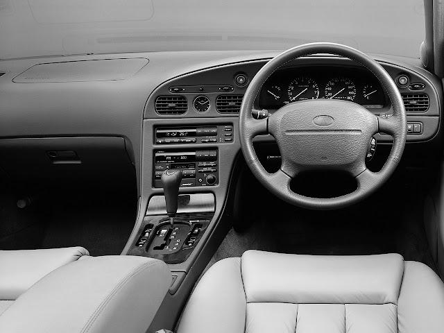 Infiniti Q45 G50 V8 japońska limuzyna sedan klasa premium luksusowy komfortowy samochód
