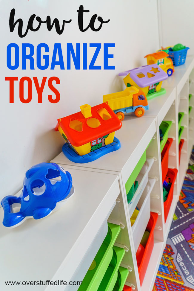 How to organize toys in playroom—Is your kids' play area a mess? Try these ideas for decluttering and organizing the toys so they can actually play in the playroom!