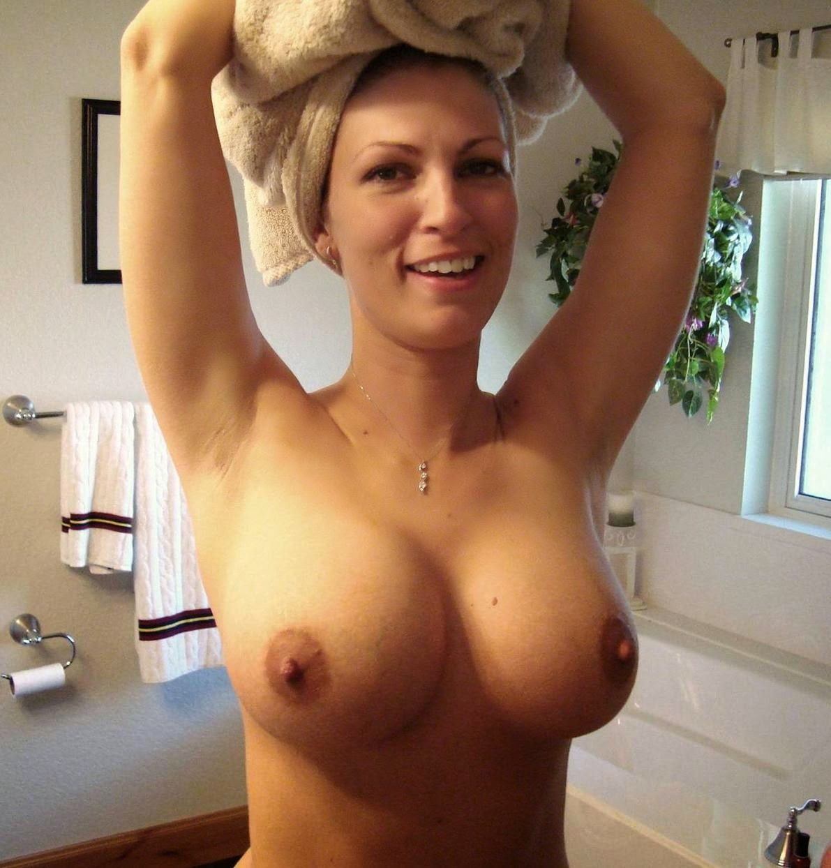 Hot naked women short hair