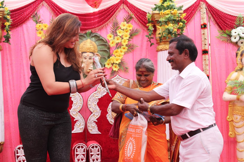 Namitha at JS Paradise Family Marriage Hall Launch Stills gallery pictures