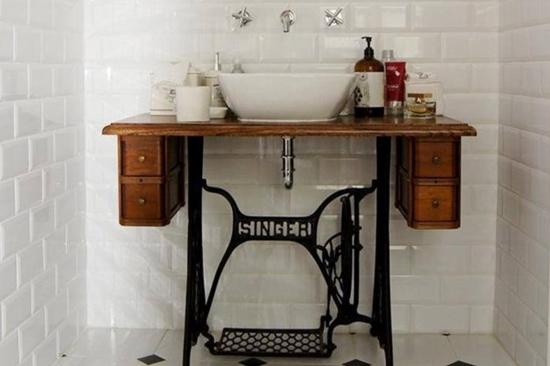Pias de banheiro mais bizarras - Maquina de costura