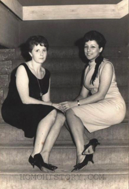 Vintage retro lesbians