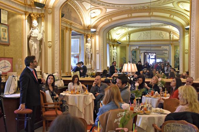 prima tappa del Bencivenga Grand Tour: il famoso Caffè Gambrinus a Napoli