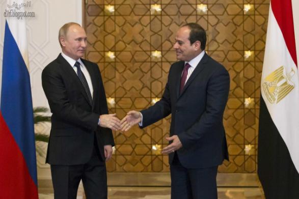 الرئيس الروسي فلاديمير بوتين يلتقي الرئيس المصري عبد الفتاح السيسي بالقاهرة بمصر 11 ديسمبر 2017. رويترز / الكسندر زيمليانيتشينك