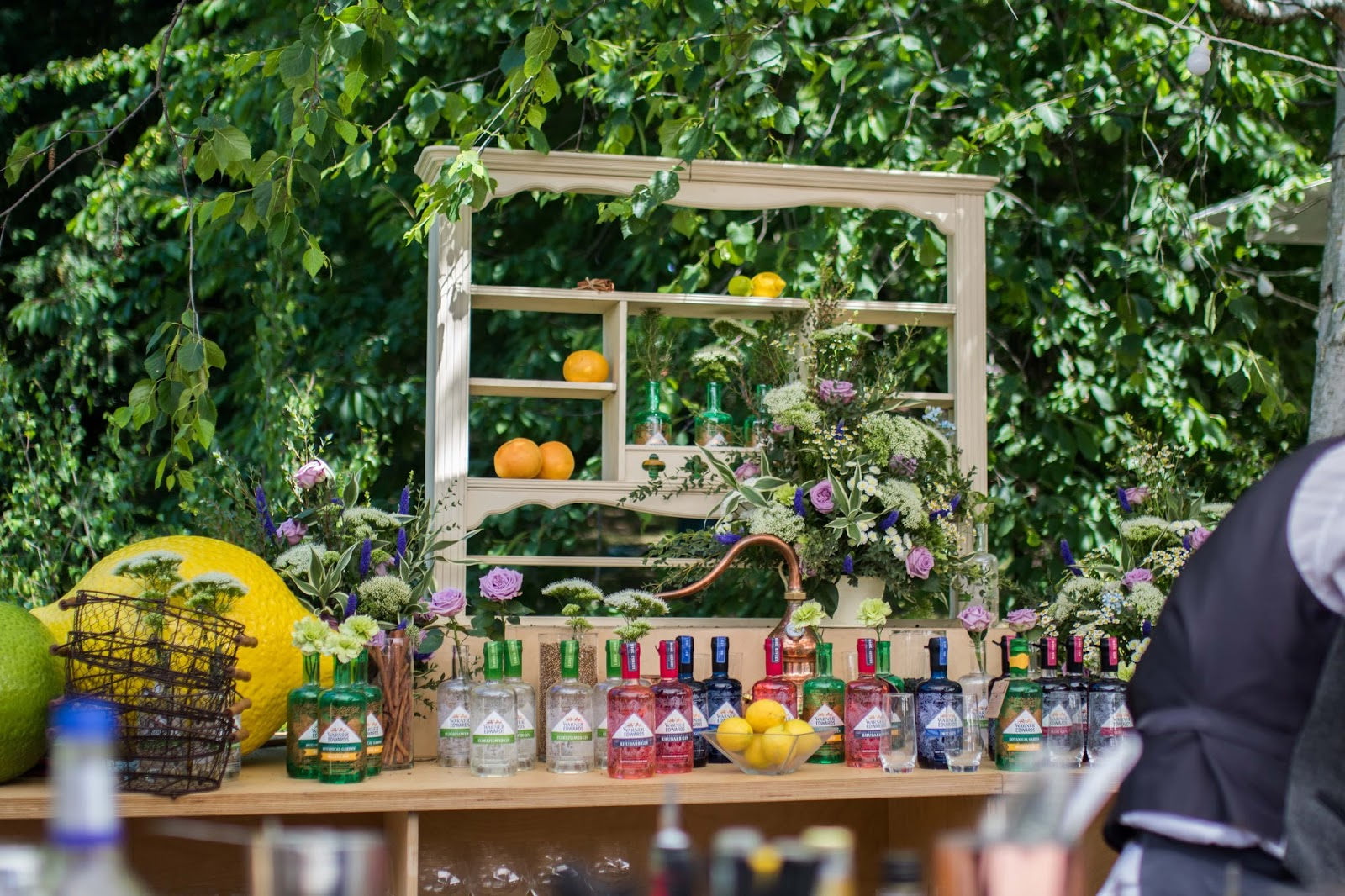 cocktail bar at Jardin Blanc, Chelsea Flower Show 2017