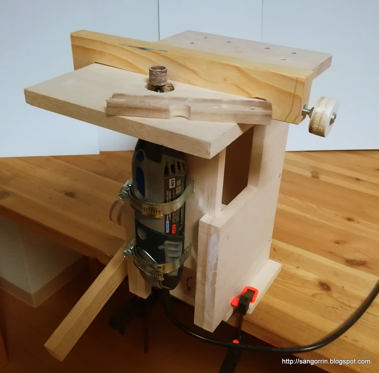Sangorrin diy mini drill press and router table all in one for Diy dremel router table