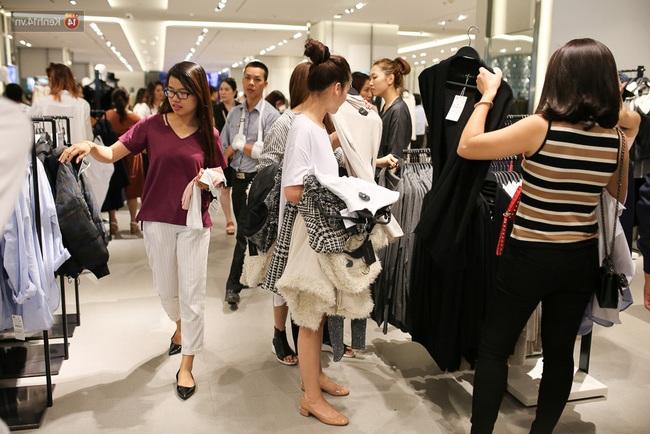 Mở 1 shop quần áo để bán thì lãi được 20-60 triệu đồngtháng không nhỉ